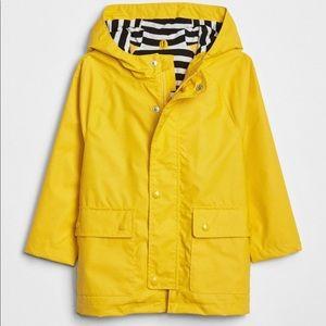 GAP raincoat - size 5 years